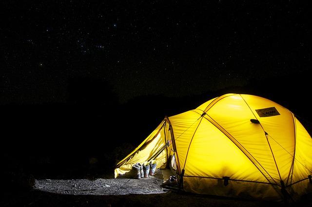 Soggiorno in campeggio per ragazzi di età compresa tra 8 e 14 anni